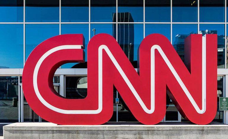 CNN-ը խզել է հայտնի մեկնաբանի հետ պայմանագիրը՝ Twitter-ում նացիստական ողջույնից հետո
