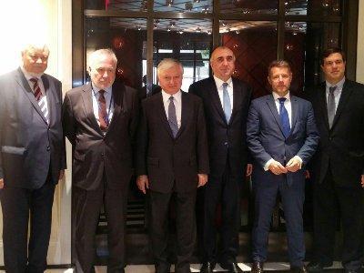 Նյու Յորքում մեկնարկել է Հայաստանի եւ Ադրբեջանի ԱԳ նախարարների հանդիպումը