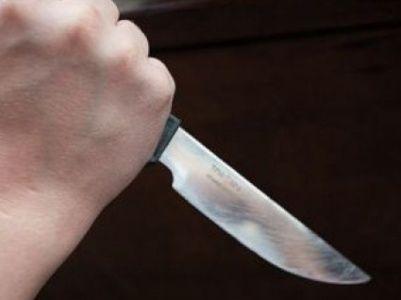 24-ամյա աղջիկը դանակահարել է իրեն դիտողություն արած 49-ամյա տղամարդուն