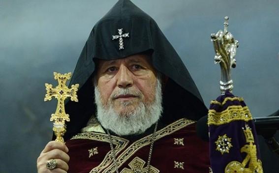 Католикос Армении верит, что страна преодолеет трудности с помощью России