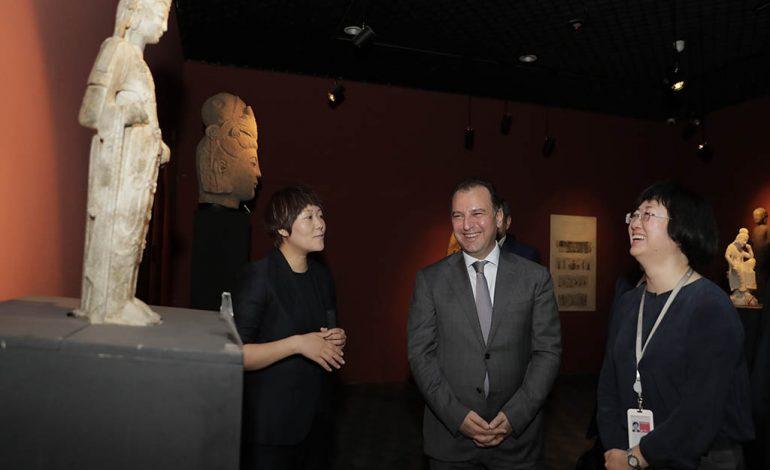 ՊՆ Վիգեն Սարգսյանը այցելել է  ռազմաարդյունաբերության ոլորտում հայտնի  Պեկինի «Պոլի գրուպ» ընկերություն