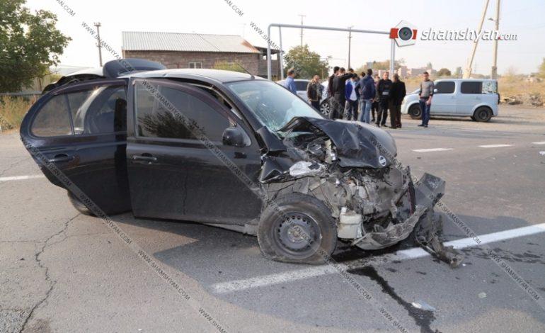 ֆՈՏՈ. Խոշոր վթար Արմավիրում. բախվել են 3 մեքենաներ. «Ֆոլքսվագենը» տապալել է սյունը, կան վիրավորներ
