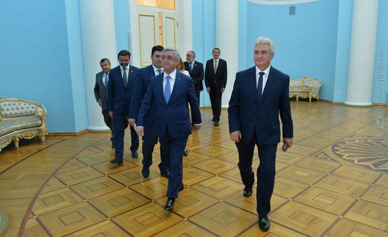 Ադրբեջանին չեխական զինատեսակի վաճառքի վերաբերյալ աղմկահարույց թեմային  Հայաստանում անդրադարձել է  Չեխիայի խորհրդարանի Սենատի նախագահը