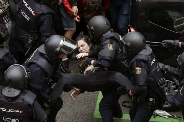 ՏԵՍԱՆՅՈՒԹ. Իսպանիայի ոստիկանությունը կրակում է ժողովրդի վրա