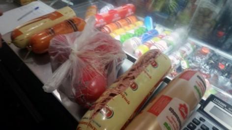 Քաղաքացու ահազանգով հայտնաբերվել և ոչնչացվել է ժամկետանց սննդամթերք