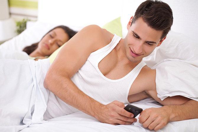 Ինչո՞ւ են երջանիկ զույգերը առանձին քնում