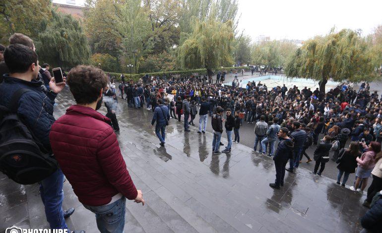 «ՉԻ». Ուսանողները իրականում ուղղորդվում են Բաղրամյան 26-ի երիտթեւի կողմից. թիրախը Վիգեն Սարգսյանն է