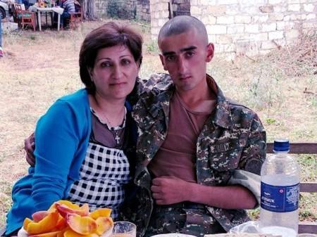 Արցախում բեկորային վիրավորում ստացած զինծառայողը տեղափոխվել է Երեւան