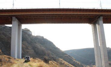 Դավթաշենի կամրջից մոտ 30 տարեկան տղամարդ է նետվել