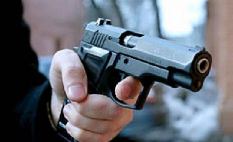 Կրակոցներ՝ Էջմիածնում. շոշափվում են ինչ-որ «Շիշ բռնող» և «Պիպո» անուններ