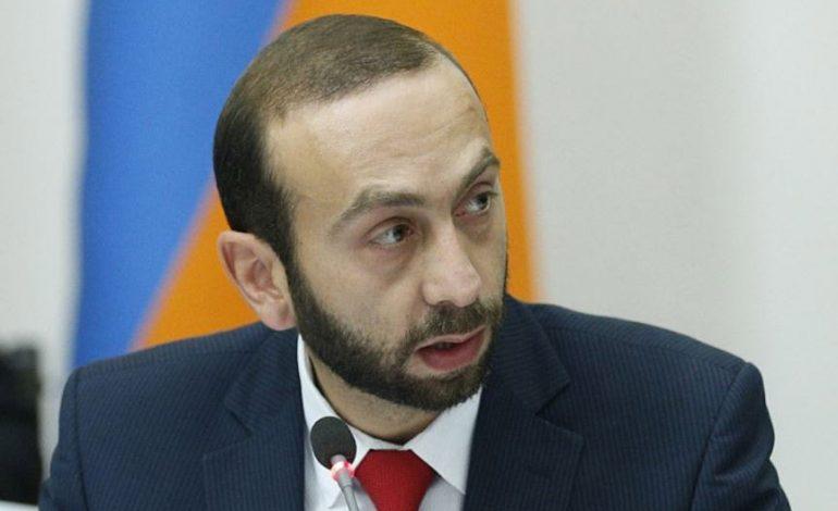 Азербайджан продолжает препятствовать возвращению пленных: Арарат Мирзоян