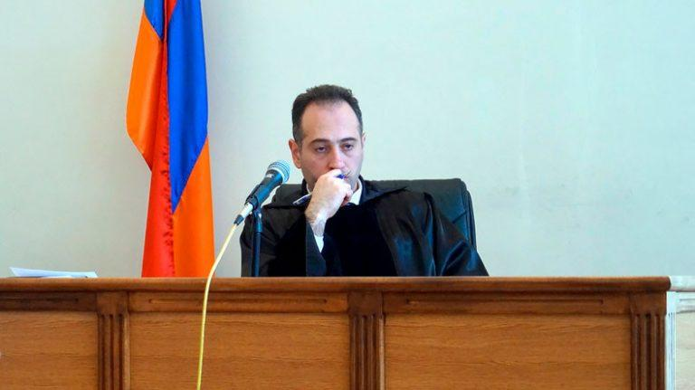 Վիրավորում են ու սպառնում. Ռոբերտ Քոչարյանին ազատ արձակած դատավորը դիմել է ԲԴԽ-ին