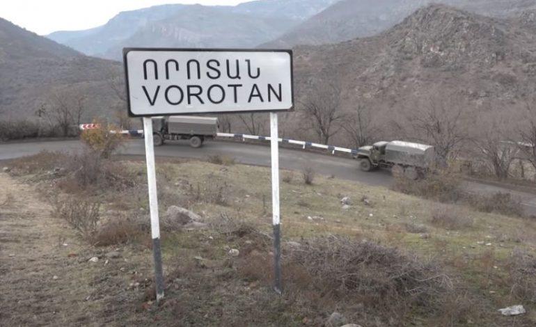 Денег не требовали, но вели себя нагло: Азербайджанцы обыскали армянскую машину