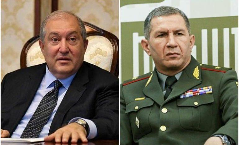 ԳՇ պետ Օնիկ Գասպարյանն ու նախագահ Արմեն Սարգսյանը չեն մասնակցում այս պահին Փաշինյանի կողմից անցկացվող Անվտանգության խորհրդի նիստին
