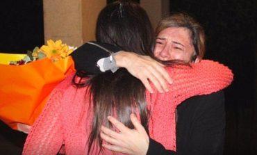 Նոր լուսանկարներ. Գերությունից ազատված Մարալ Նաջարյանը` հարազատների հետ