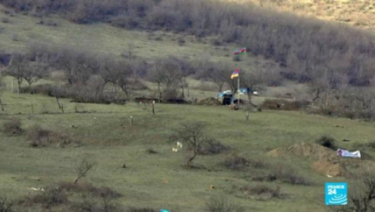 Թաղավարդ գյուղում հայկական դիրքը ընդամենը 50 մետր հեռավորության վրա է գտնվում ադրբեջանականից
