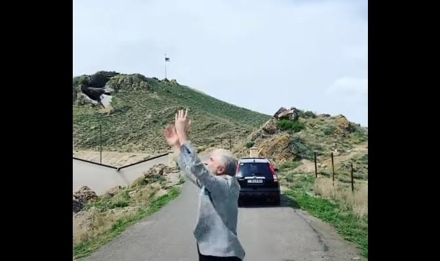ՏԵՍԱՆՅՈՒԹ. Սոսո Պավլիաշվիլին Խոր Վիրապում աղավնիներ է բաց թողել երկինք
