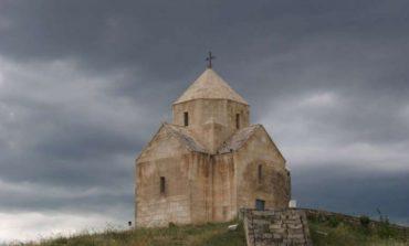 ՖՈՏՈ․ ԱՀԱԶԱՆԳ․ Ադրբեջանը  ծանր տեխնիկա է բերել, 7-րդ դարի Վանքասարի  եկեղեցին վտանգված է