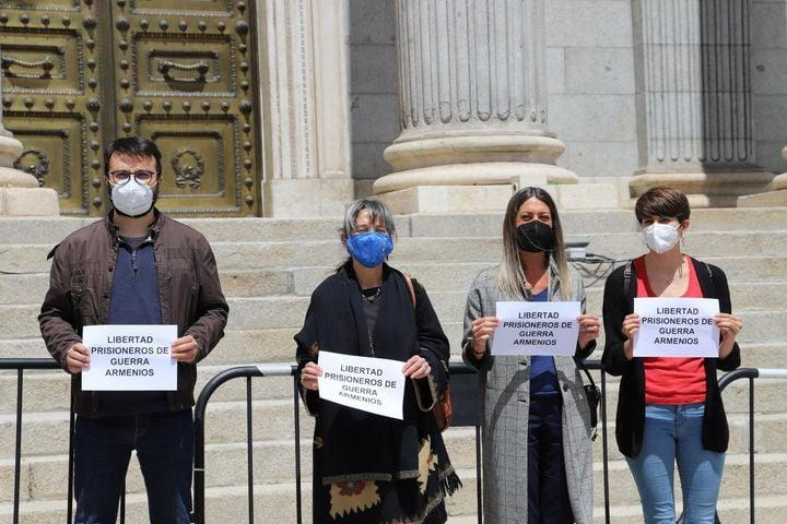 «Ազատություն հայ ռազմագերիներին»․ իսպանացի պատգամավորները ակցիա են արել