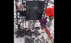 ՏԵՍԱՆՅՈՒԹ. Գիշերն այրել են Քոչարյանին անիծող կնոջ զոհված որդու շիրիմի ծաղիկները