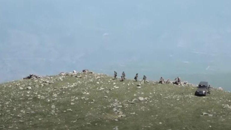 Ադրբեջանցիները մտել են հայկական դիրքեր, վախեցրել ու ծաղրել զինվորներին․ գողացել են բնակիչներից մեկի «ՈՒԱԶ»-ը