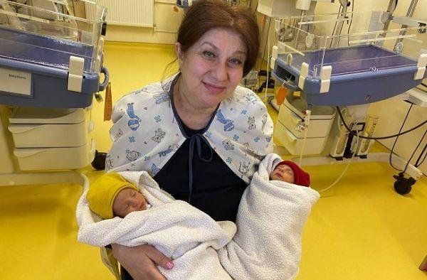 ՖՈՏՈ. Երևանում 53-ամյա կինը երկվորյակ է լույս աշխարհ բերել 12 տարի անպտղությունից հետո