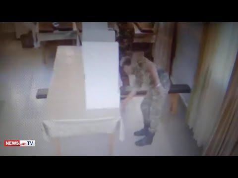 Զինվորները քվեախցից արդեն պատրաստի քվեաթերթիկը ծրարով վերցնում, դուրս են գալիս