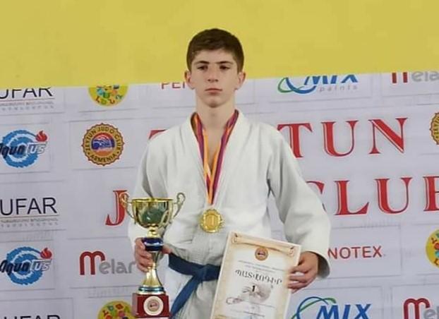 Արցախում երեկ մահացած 14-ամյա երեխան մարզիկ էր, երկու օր առաջ Աշոտը հաղթանակ բերեց մեզ
