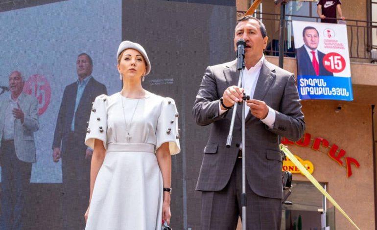 Գործարար Տիգրան Արզաքանցյանը  իր թիմով դուրս է գալիս Դեմոկրատական կուսակցությունից
