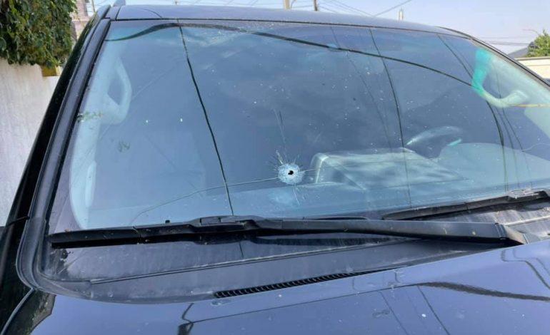 ՖՈՏՈ. Կրակել են Արման Բաբաջանյանի մեքենայի վրա