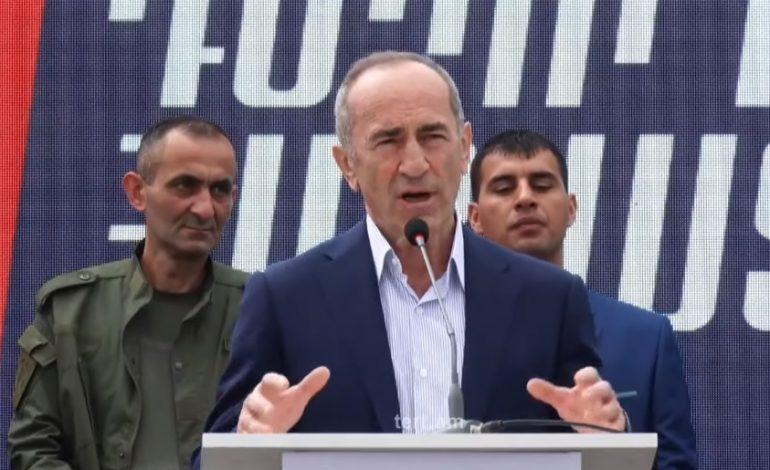 «Լուրեր են շրջանառվում, որ հենց դարձաք վարչապետ, Սյունիք եք վերադարձնելու Սուրիկ Խաչատրյանին»․ գորիսեցին՝ Քոչարյանին