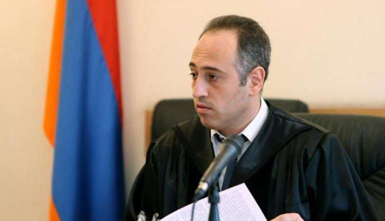 Թալանել են դատավոր Նիկողոսյանի բնակարանը. տարել են գումար, ոսկյա և արծաթյա զարդեր