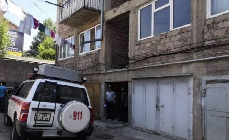 Բնակարաններից մեկում հայտնաբերվել են 37-ամյա մոր ու 9 տարեկան տղայի դիերը