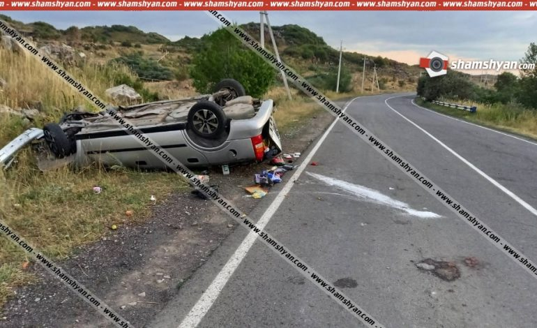 ՖՈՏՈ. Խոշոր ավտովթար. ՀՀ ՊՆ 34-ամյա ծառայողը Opel-ով բախվել է քարերին և գլխիվայր շրջվել. կա 8 վիրավոր