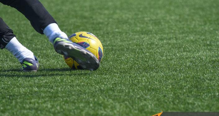 ФОТО: Французский футболист показал лицо после того, как его облили кислотой