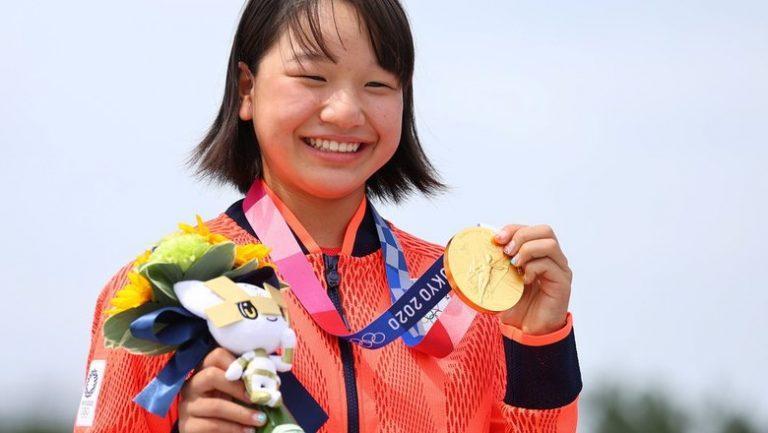 13-ամյա ճապոնուհին ոսկի է նվաճել Տոկիոյի Օլիմպիական խաղերում