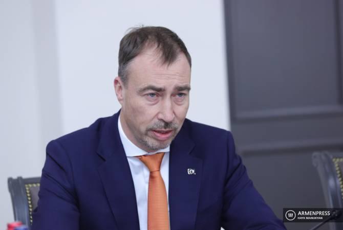 Спецпредставитель ЕС коснулся ситуации на армяно-азербайджанской границе