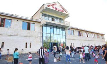 Կրակոցներ Երևանում․ Նոր Նորքում գործող «Պալաս» առևտրի կենտրոնի հետնամասում հնչել են կրակոցներ․ կասկածյալներից 3-ը հարազատ եղբայրներ են