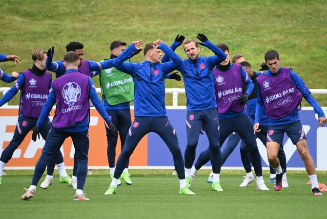 Перед полуфинальным матчем Англия-Дания