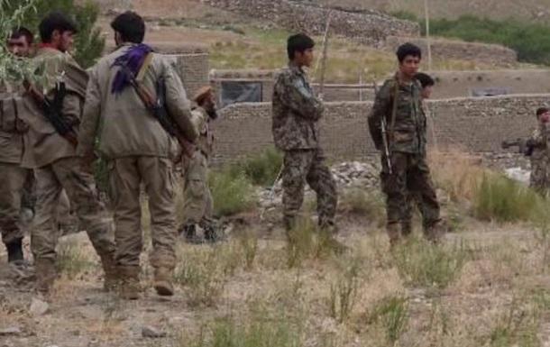 Под натиском боевиков Талибана более тысячи афганских военных отступили на территорию Таджикистана
