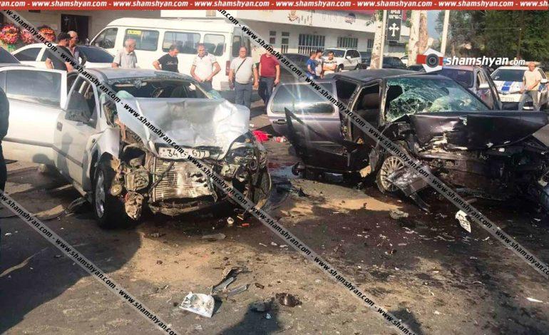 Բախվել են Opel-ն ու Volkswagen–ը. 7 վիրավորներից հղի կնոջ  երեխան ծննդաբերության ժամանակ մահացել է