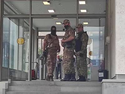 Զանգեզուրի պղնձամոլիբդենային կոմբինատի վարչական շենքը կապարակնքվել է. կա 3 ձերբակալված անձ