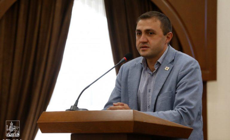 Фракция «Мой шаг» в Совете старейшин Ереван выступила с заявлением в связи с нападением на Армана Антоняна