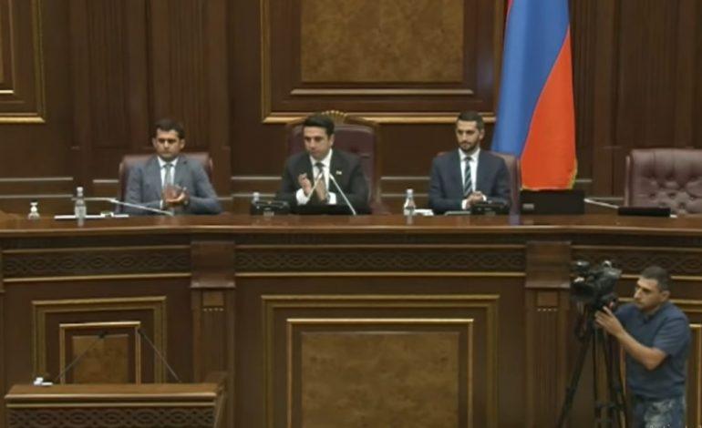 ԱԺ իշխանական թևը խաղում է ադրբեջանական ձևով․ Միջազգային   ԶԼՄ-ների արձագանքը` այս օրերին ՀՀ ԱԺ-ում կատարվածին