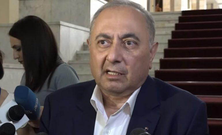 Состояние здоровья профессора Армена Чарчяна резко ухудшилось: он доставлен в МЦ «Канакер-Зейтун»