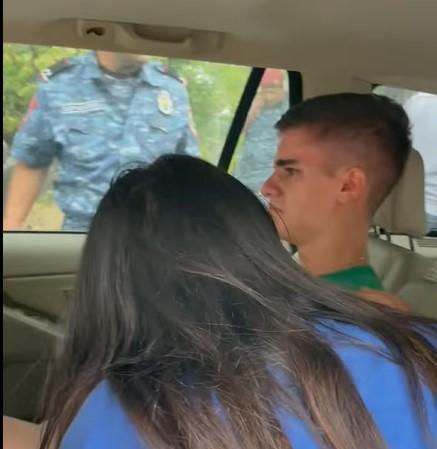 16 տարեկան երեխայի փորին նենց են խփել ոստիկանները, տանում են շտապ հիվանդանոց