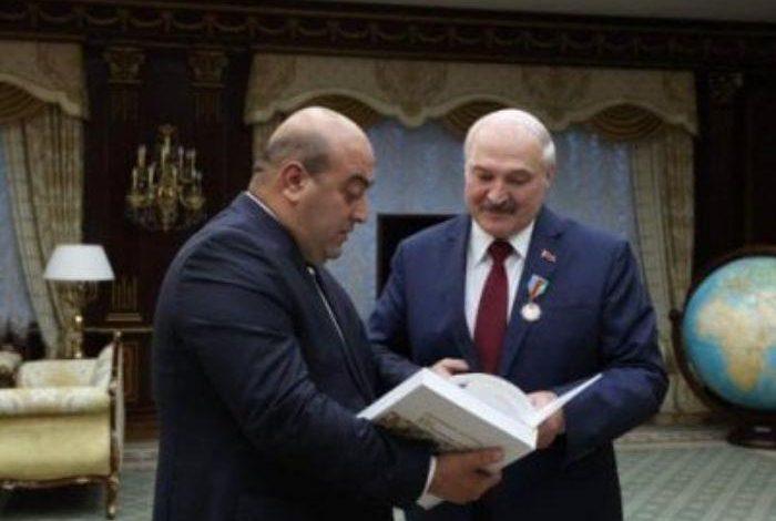 Александр Лукашенко получил золотой орден «Друг Азербайджана»