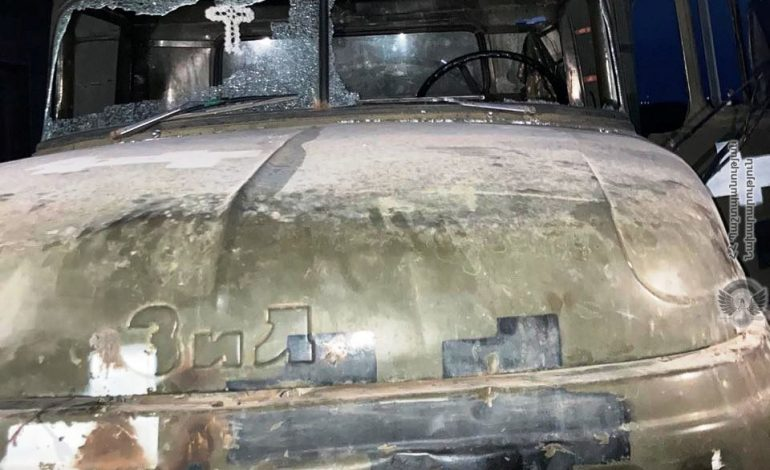 МО: Азербайджанцы открыли огонь в направлении Ерасха по машине с едой