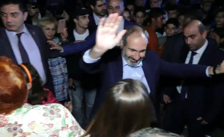 Տիգրան Ավինյանը Կիպրոսում   կհանգստանա,  վարչախմբի պարագլուխն էլ հարսանիքից հարսանիք է գնում, իսկ թշնամին կրակում է