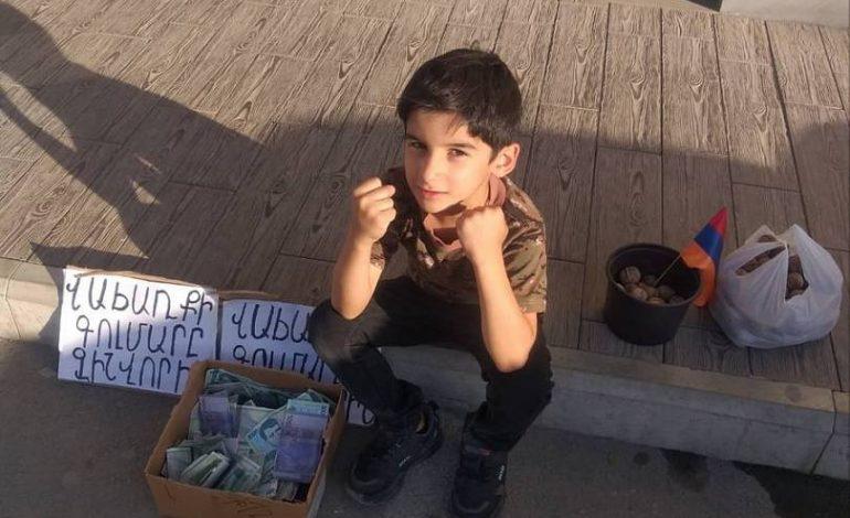 ՖՈՏՈ. Պատերազմի օրերին ընկույզ վաճառող փոքրիկ Վահեն վիրահատվել է